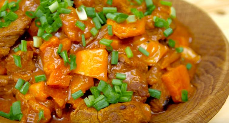 Рецепт гуляша из говядины на сковороде