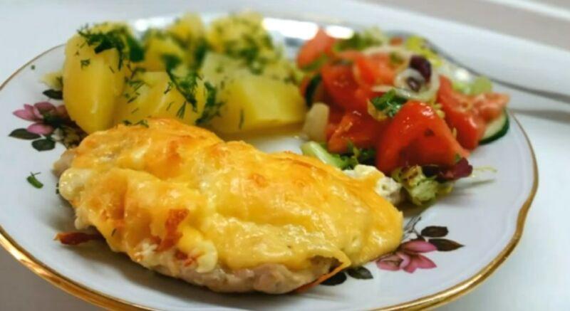 с ананасом и сыром в духовке