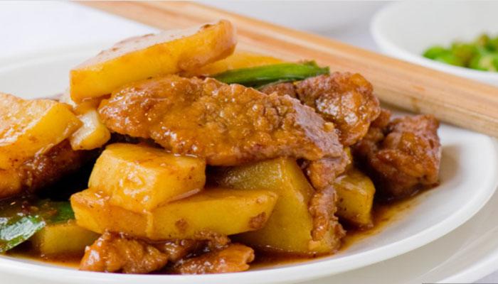 мяса, запеченного в фольге с картофелем