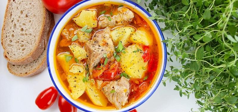 Как потушить вкусно картошку с мясом в кастрюле