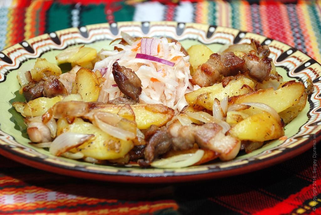 Как приготовить Картошка жареная насковороде. Шаг 15: Жареная картошка подается исключительно горячей