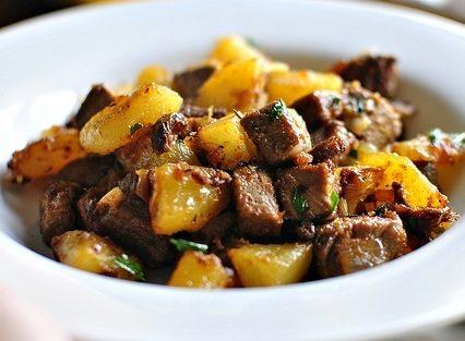 Как вкусно пожарить картошку с мясом