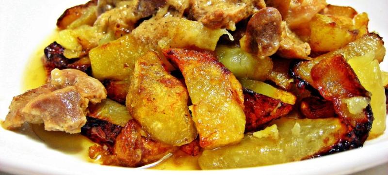 Картошка с мясом жареная на сковороде