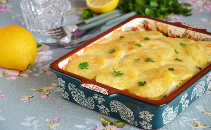 Мясо по-капитански с картошкой и сыром
