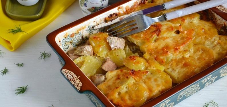 Мясо с картошкой в духовке на протвине