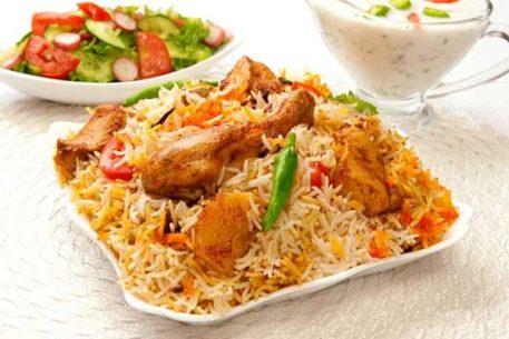 Тушеная курица с овощами и рисом