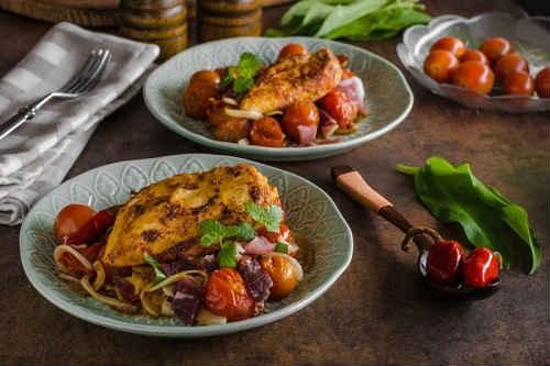 как потушить курицу с овощами