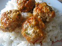 Фото к рецепту: Фрикадельки в томатно-чесночном соусе
