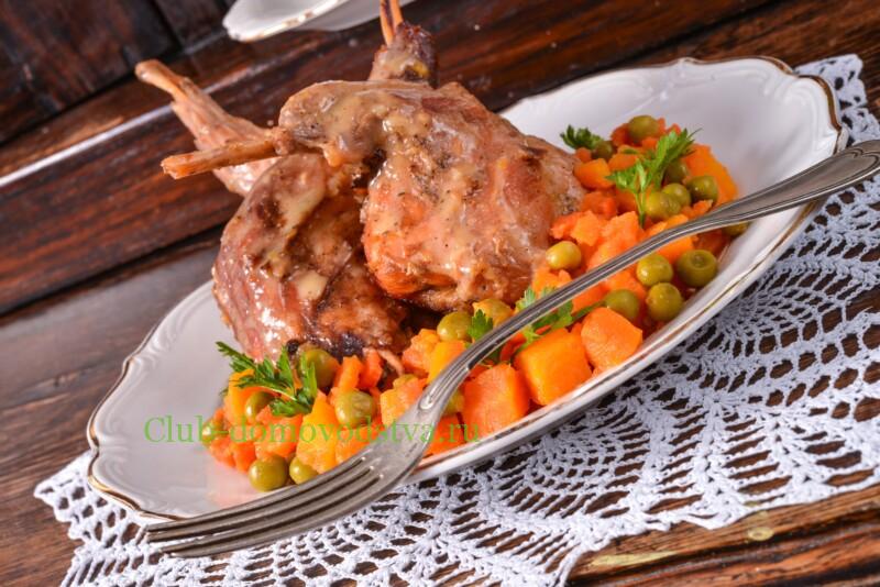Тушеный кролик в сметане с морковью и луком – рецепт с пошаговыми фото