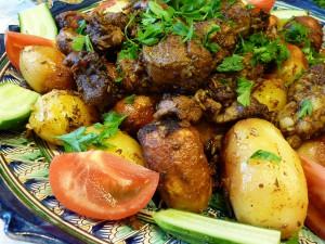Тушеная баранина с картофелем в казане – блюдо на плите