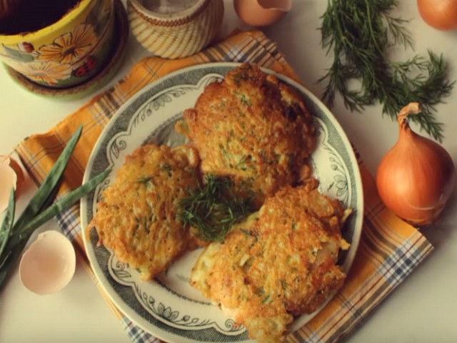 Отбивные из курицы в картофельном кляре, жареные на сковороде