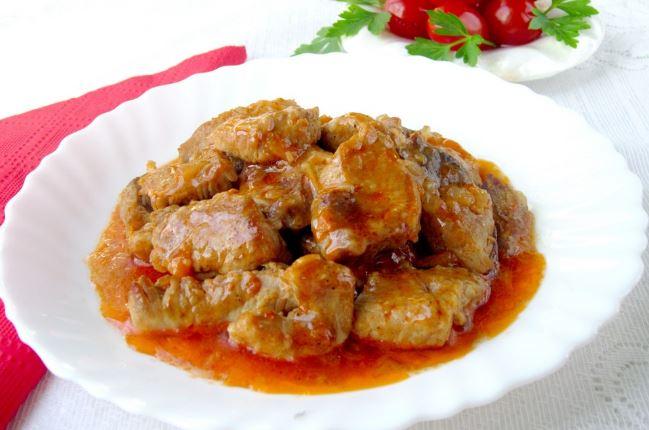 Как вкусно приготовить поджарку из свинины