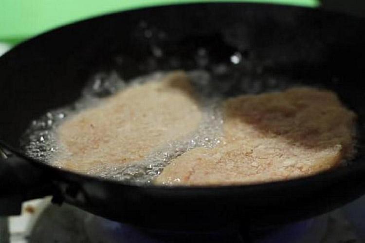 Отбивные из свинины на сковороде — 5 рецептов приготовления вкусных и сочных отбивных этап 6