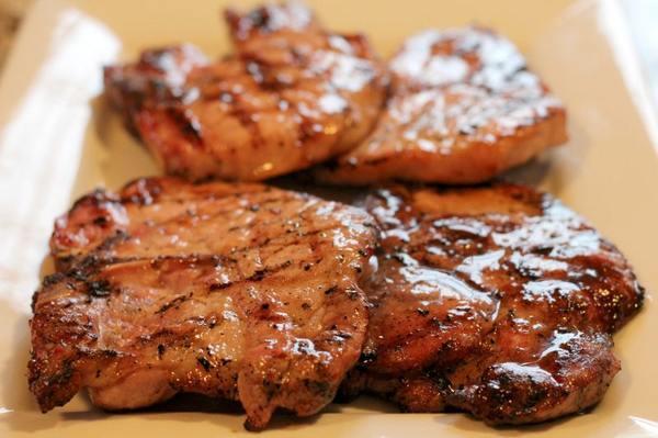 Сочные отбивные из свинины на сковороде — 7 рецептов приготовления