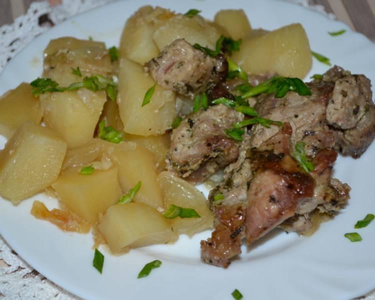 Жаркое из говядины с картошкой в духовке на протвине