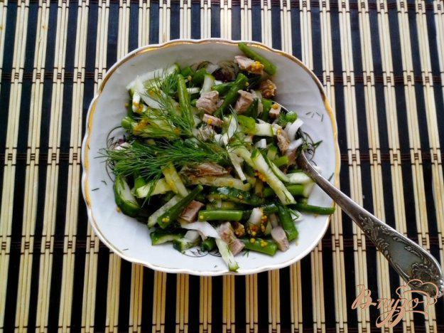 фото рецепта: Салат со стручковой фасолью и говядиной
